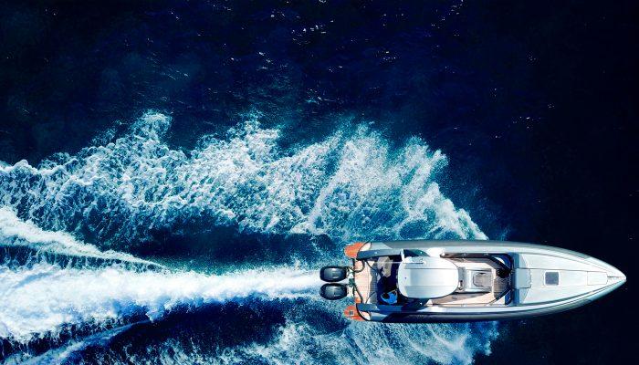 boat-waves-ocean